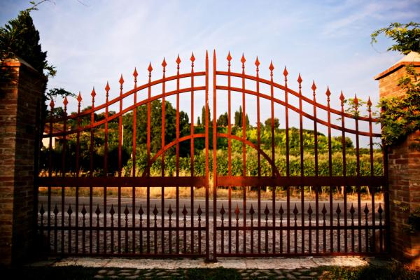 Rotes eisernes Tor